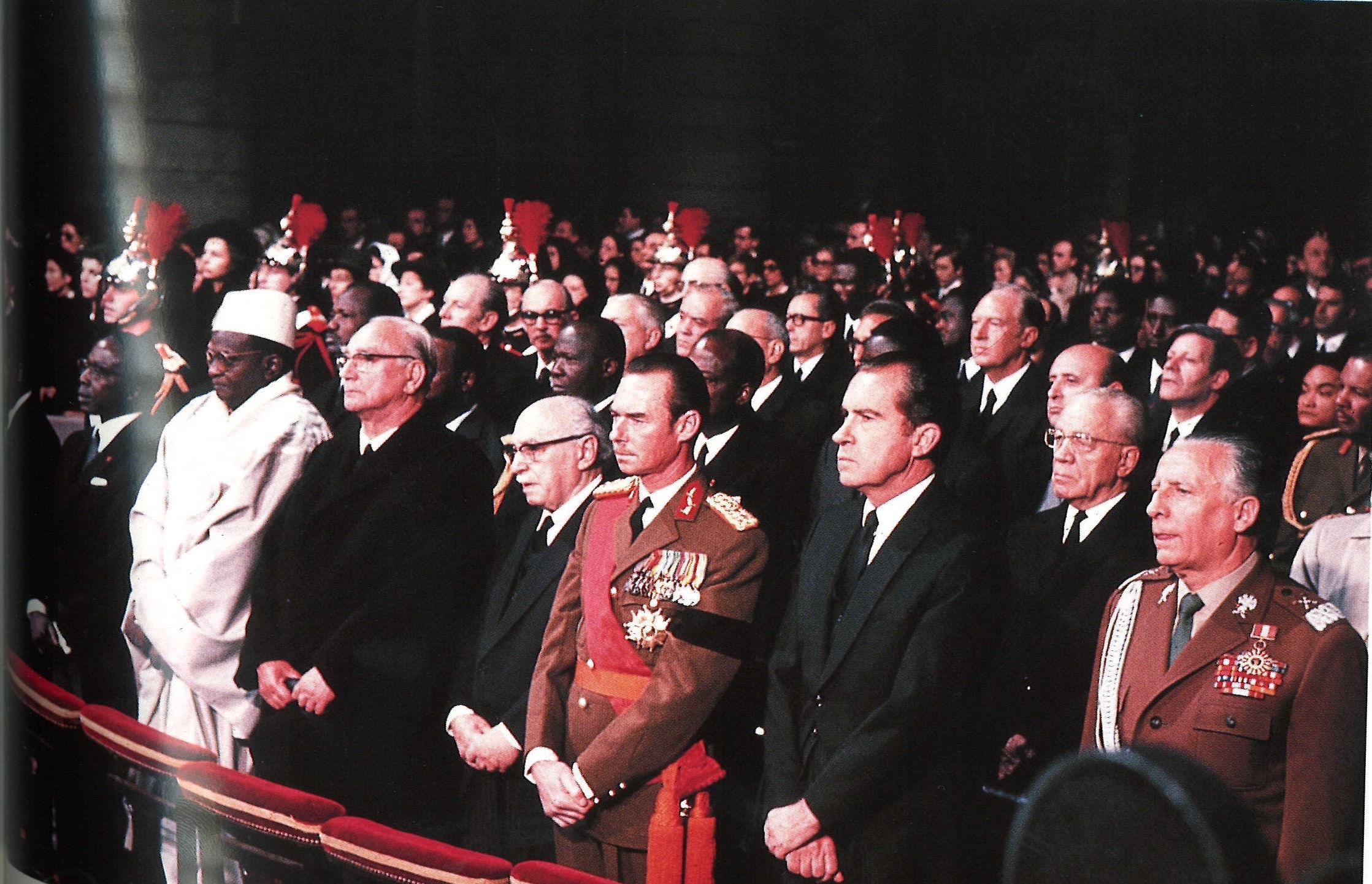 Messe solennelle à Notre-Dame en présence de quatre-vingts souverains et chefs d'Etat, le 12 novembre 1970